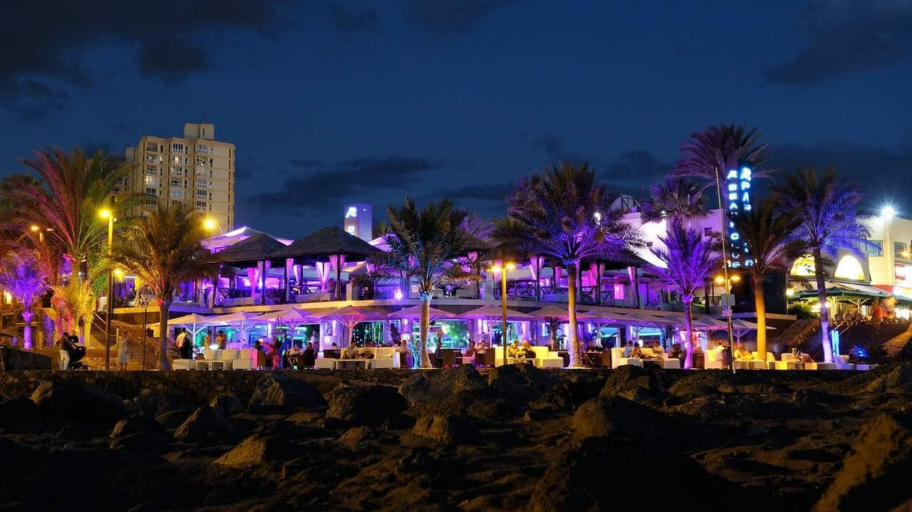 Best Party Hotels In Miami Beach