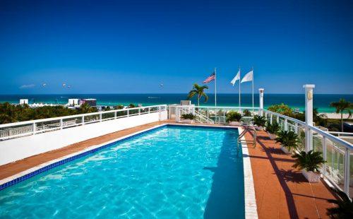 Bentley Hotel Pool