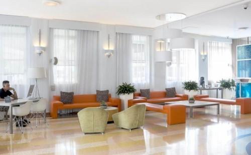 Clevelander Hotel Lobby