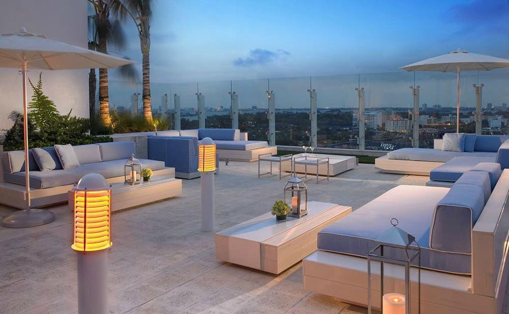 Rooftop Pools, Sundecks, and Bars