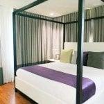 Leslie Hotel Room