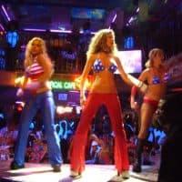 Mangos dancers