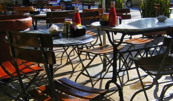 News Cafe Restaurant in Miami Beach