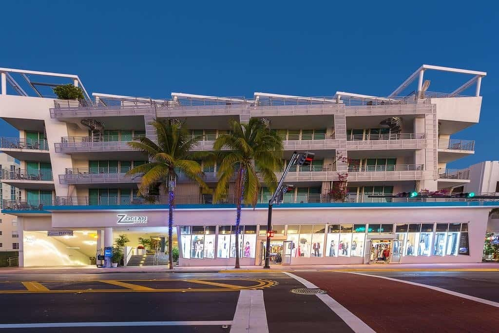 Z Ocean Hotel Night